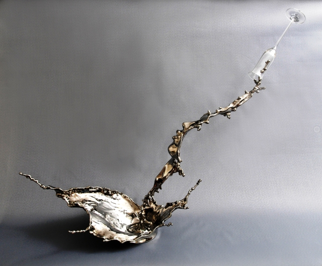 Splash of Wonder, Johnson Tsang, stainless steel  & glass, 2011
